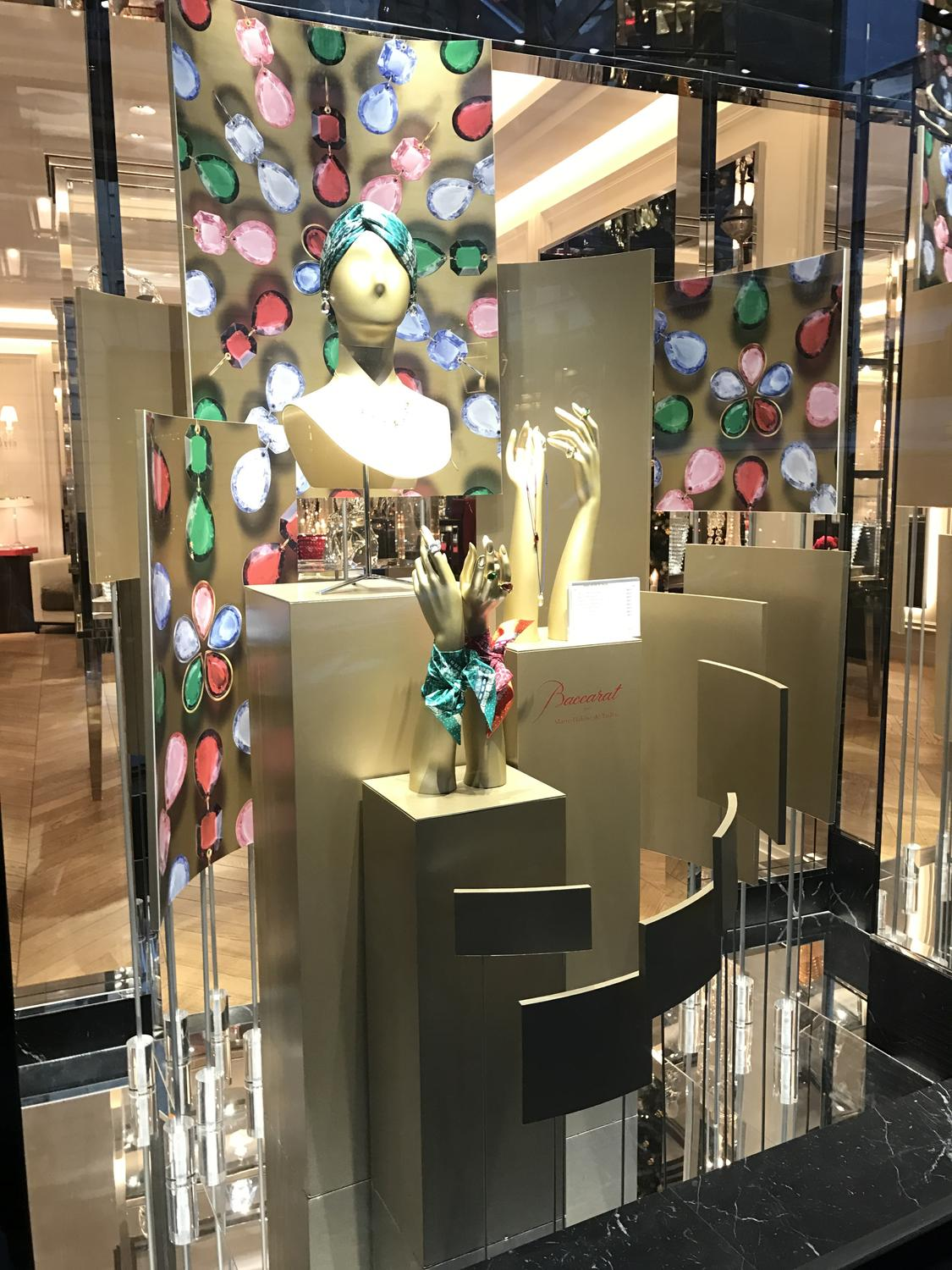 Shop window's decor for Baccarat.