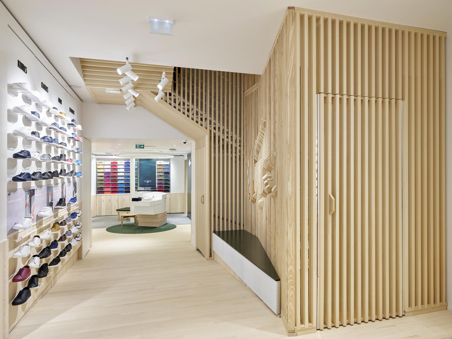 LACOSTE-MEDIA6-ATELIERS-NORMAND-RETAIL-SHOP-FITTING