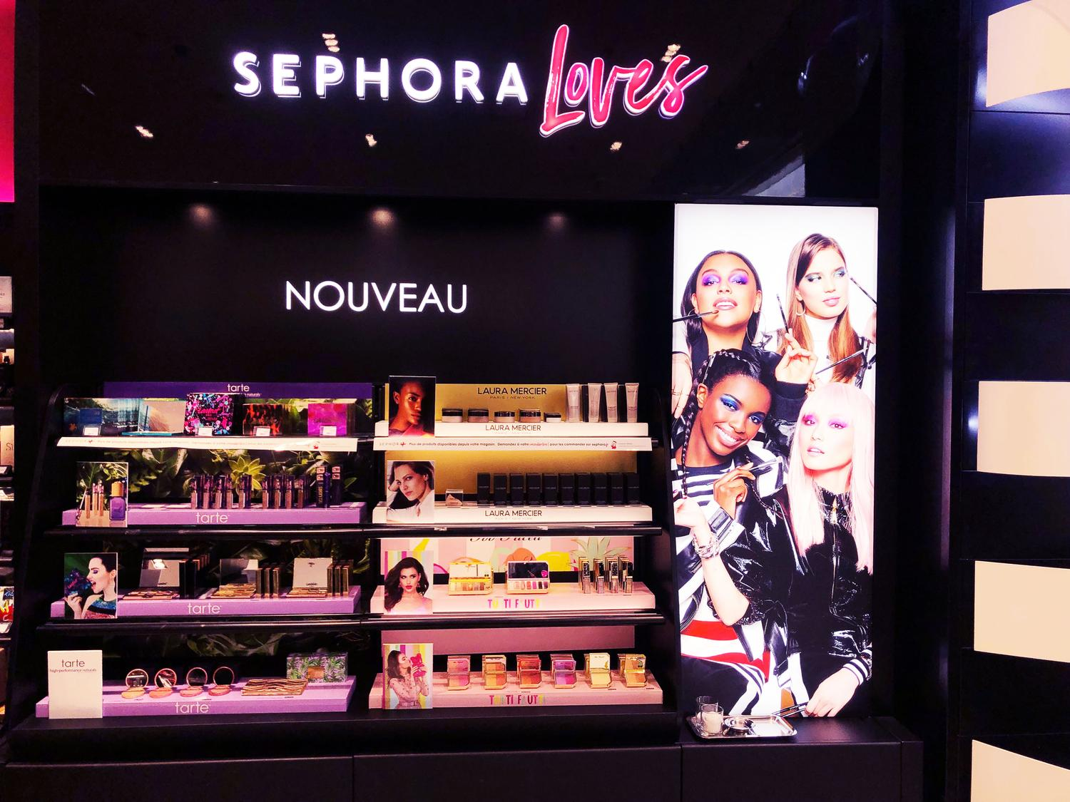tarte-media6-trade-marketing-gondole-mural-sephora-loves
